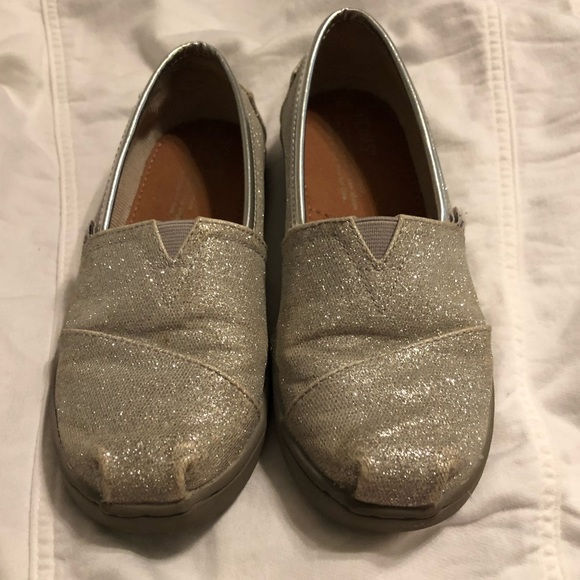 Toms Other - Youth Girls Toms silver glitter shoes